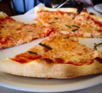 Pizza margherita: 125 anni di passione per il made in Italy