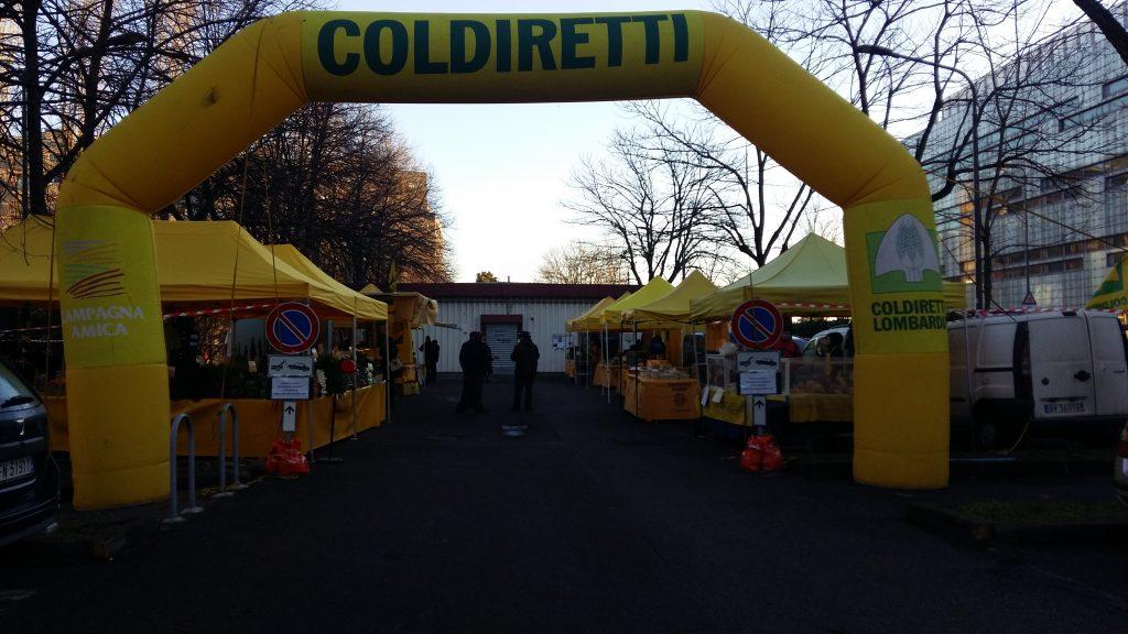 Mercato di Milano in via Rizzoli a Milano