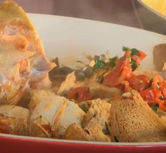 La ricetta di luglio: gallinella al pomodoro con pane tostato