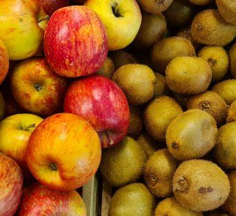 Frutta, prima voce di spesa delle famiglie